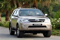 fortuner-4-0-xang-ggn50l-2005-2008